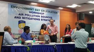 Nicholas Dal Sasso, ECOTECH Managing Director receiving recognition award from Tanu Jindal, Professor & Director of Amity Institute of Environmental Sciences at the Environment Day Celebration Workshop on Air Pollution Sources and Mitigation Strategies.
